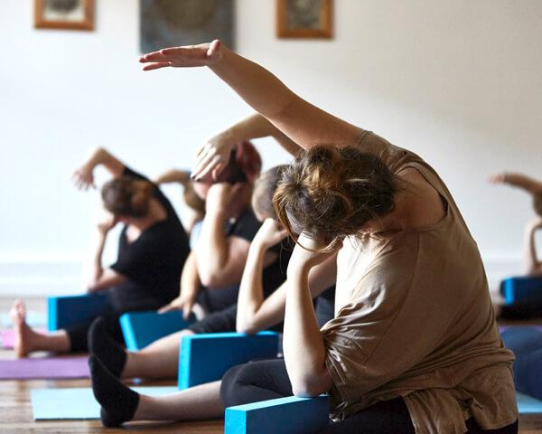 Th-Postnatal-Yoga-Class-Buds-and-Blossom.jpg